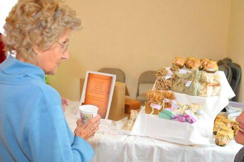 Post image for Sisterhood Hosts Holiday Sale